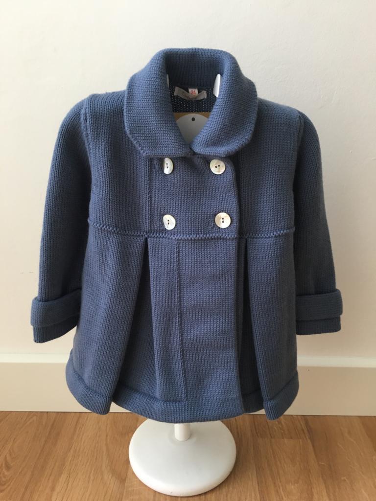 Abrigo punto con capota azul  Babydif
