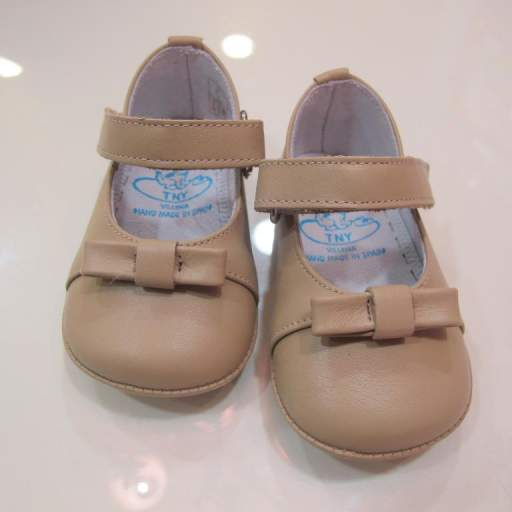Zapato niña beige Tinny shoes