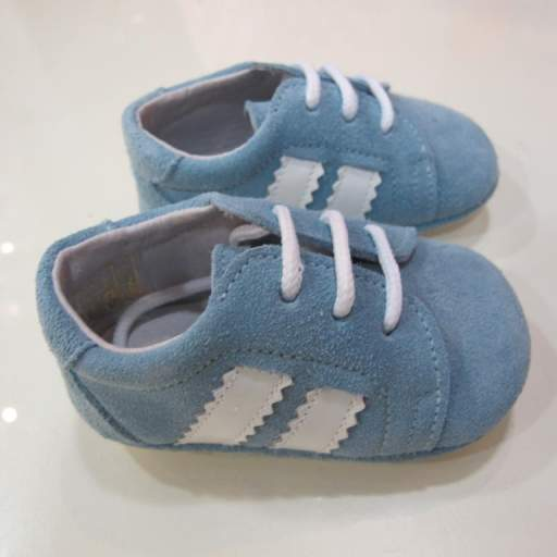 Zapatos deportivos tinny shoes