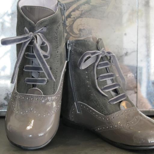 Botas charol /serraje Tinny Shoes