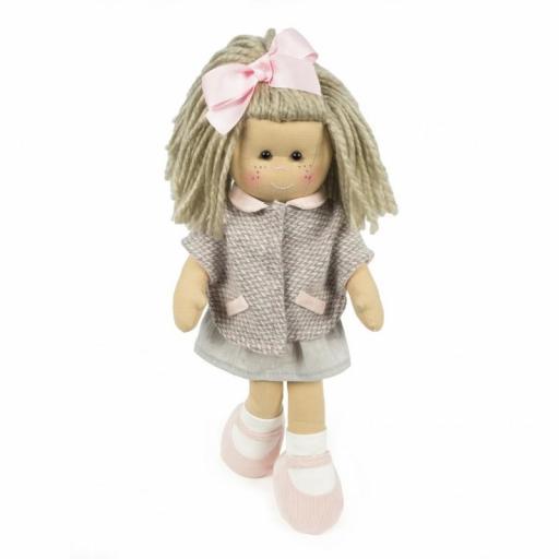 Muñeca Marta con abrigo [2]