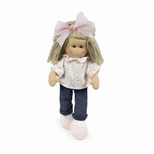 muñeca marta la nina con tejanos [1]