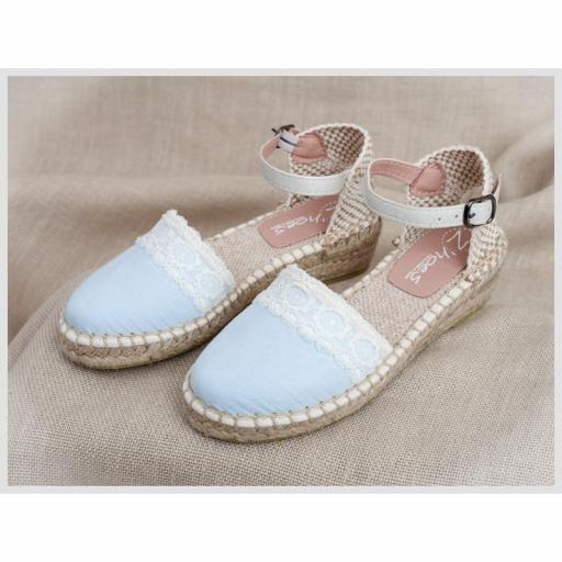 Zapato de Comunión ZOYSAN esparteña lisa celeste