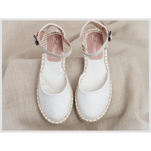Zapato de Comunión ZOYSAN esparteña lisa blanco roto lona [2]
