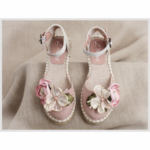 Zapato de Comunión ZOYSAN esparteña lisa velour rosa con flor [1]