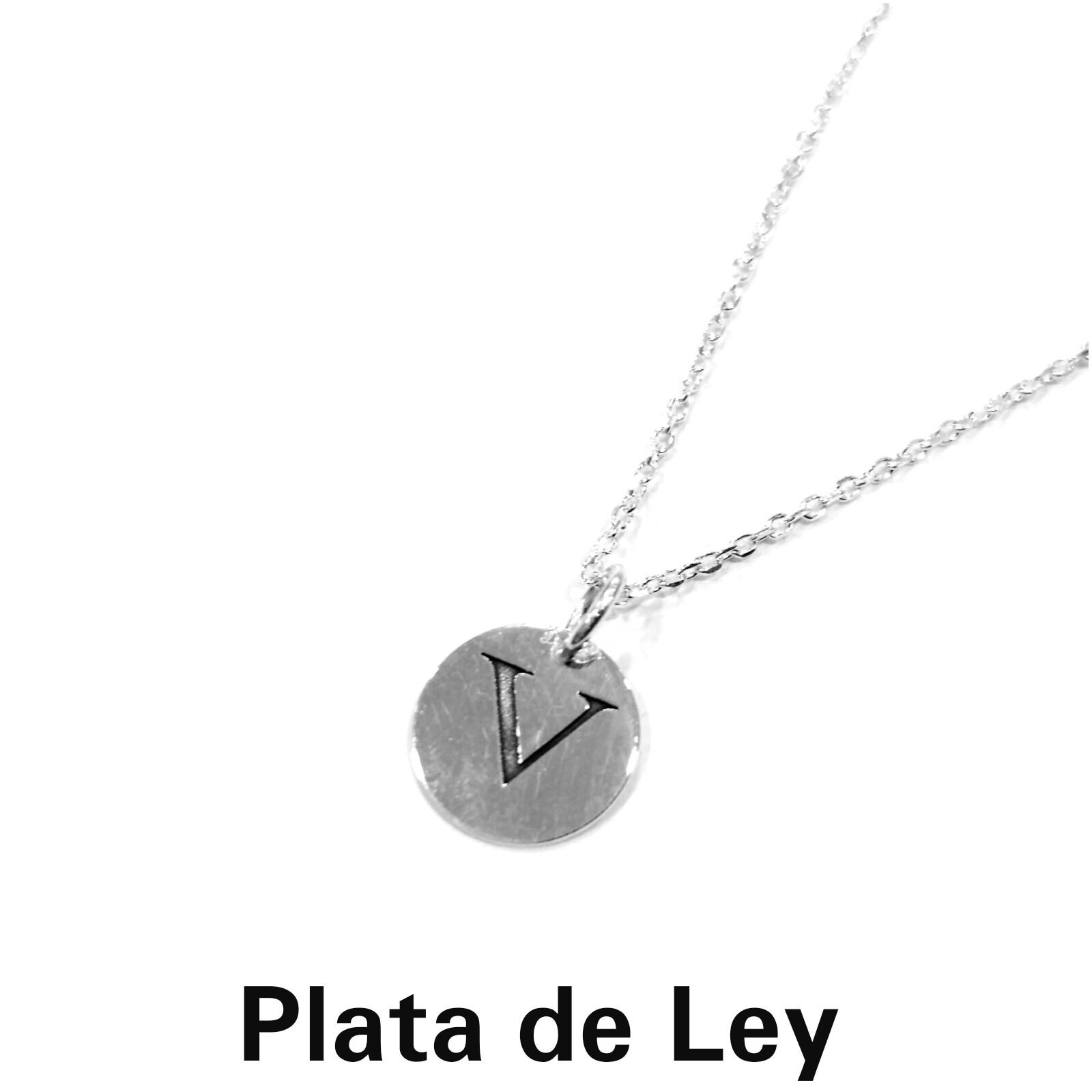 Colgante chapa plata letra V con cadena