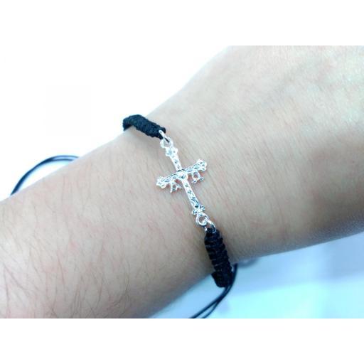 Pulsera cruz de Asturias plata y macramé [1]