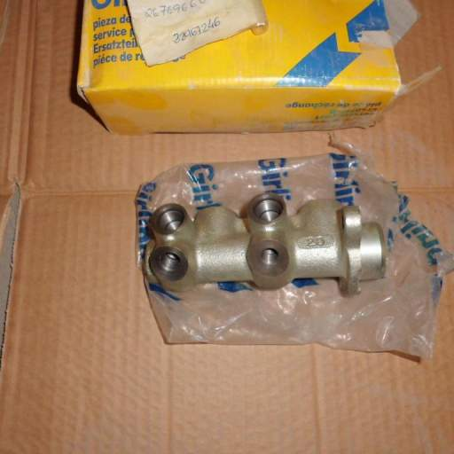Bomba de frenos de Renault Super 5 [1]