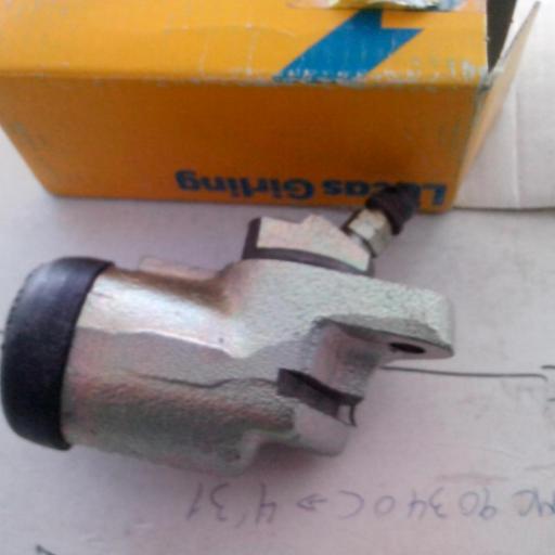 BOMBIN FRENOS DELANTERO DERECHO AVIA 2000 Y L35