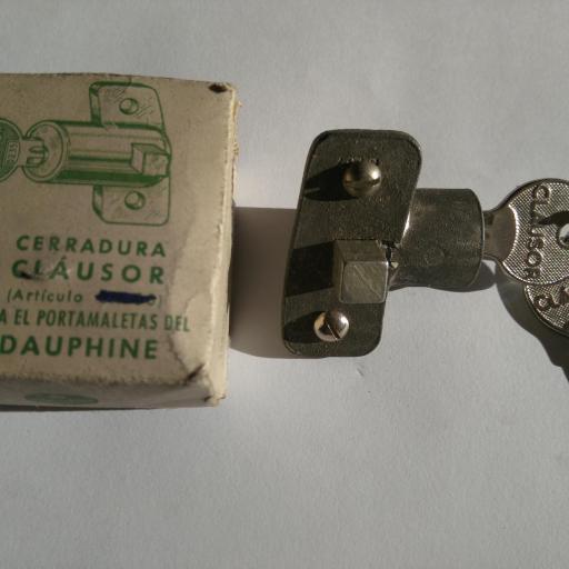 Cerradura tapa de maleta de Renault Dauphine