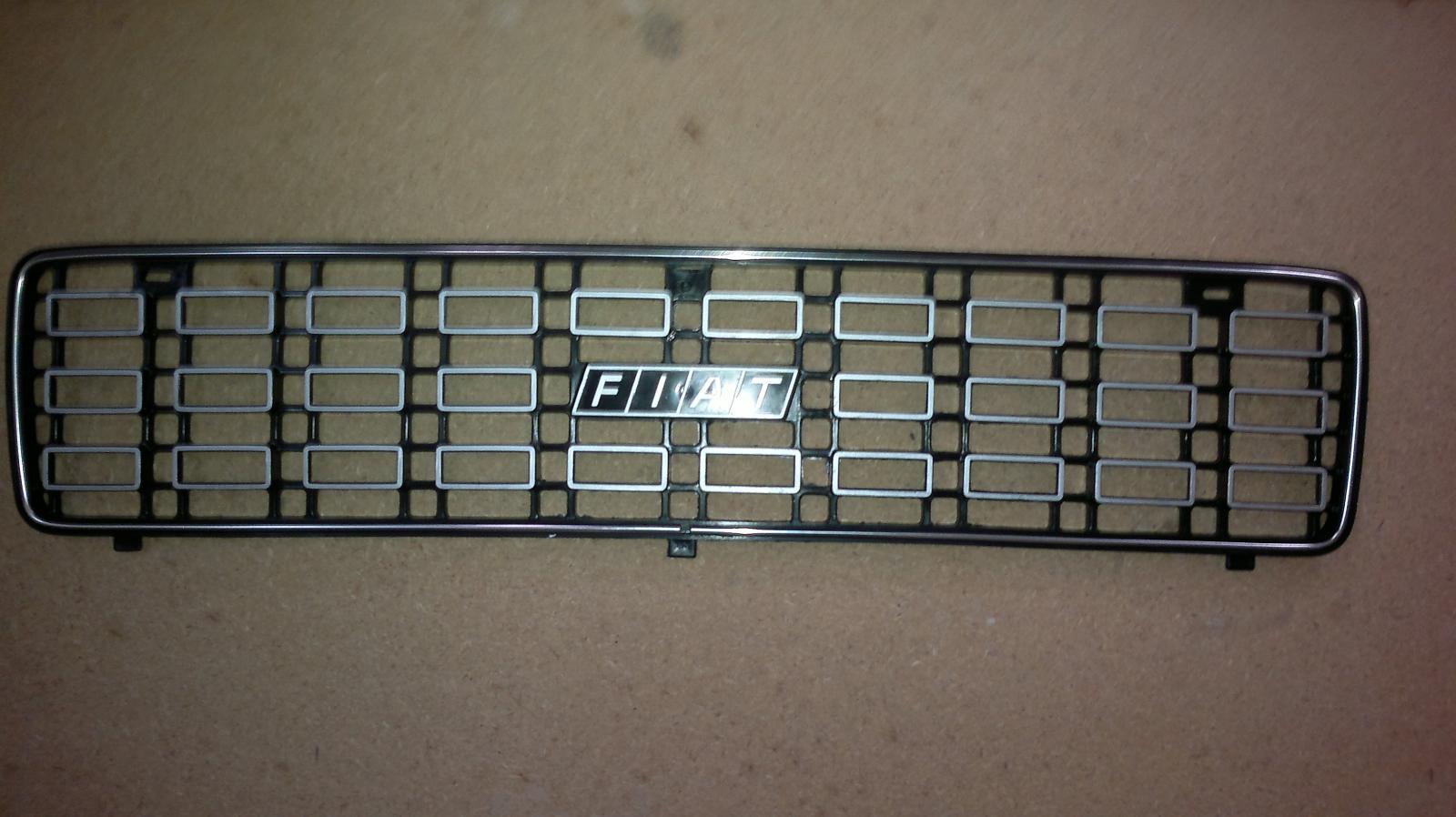 Rejilla de Fiat 127