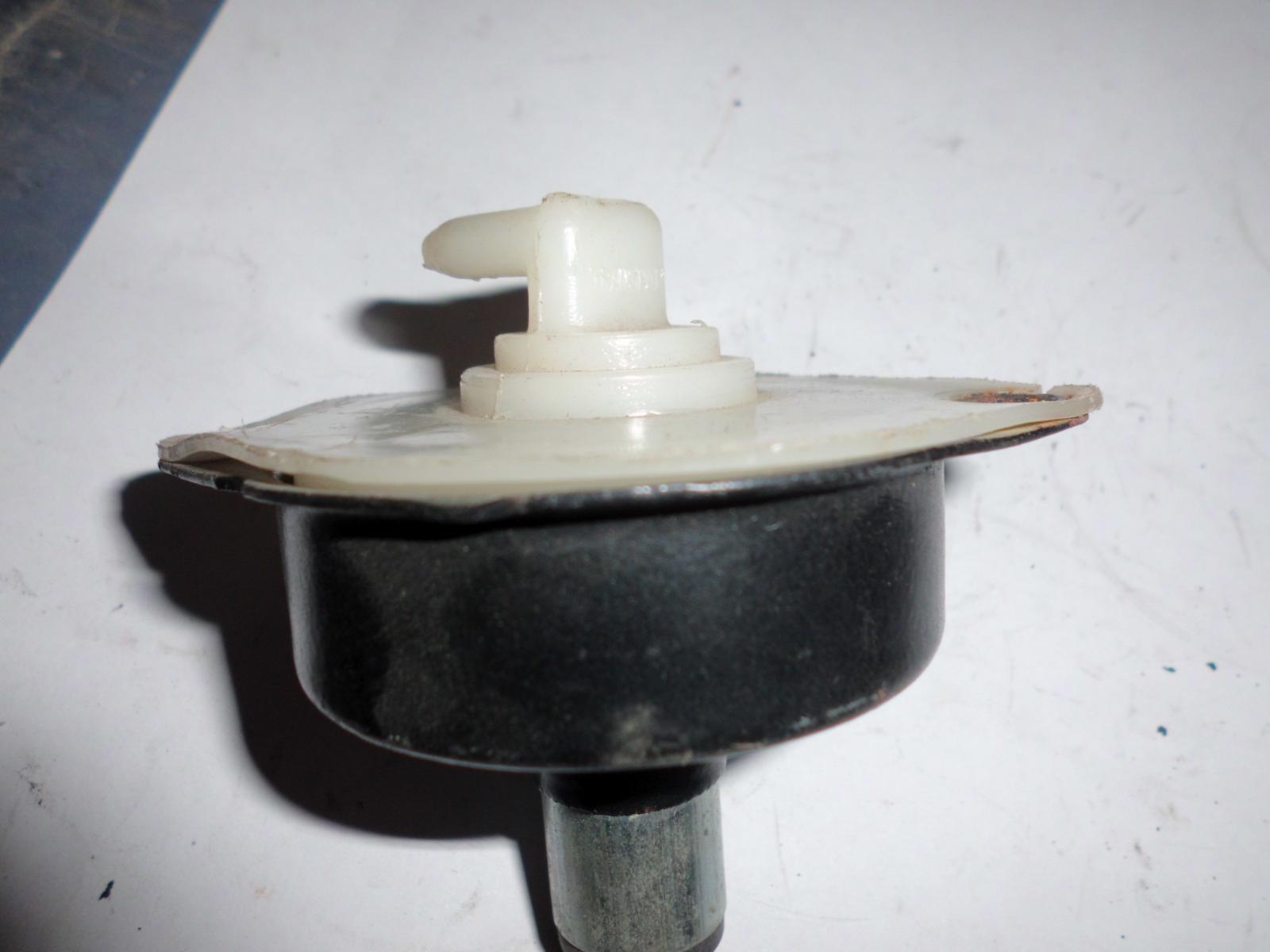 Bomba pisón de Citroen 2CV
