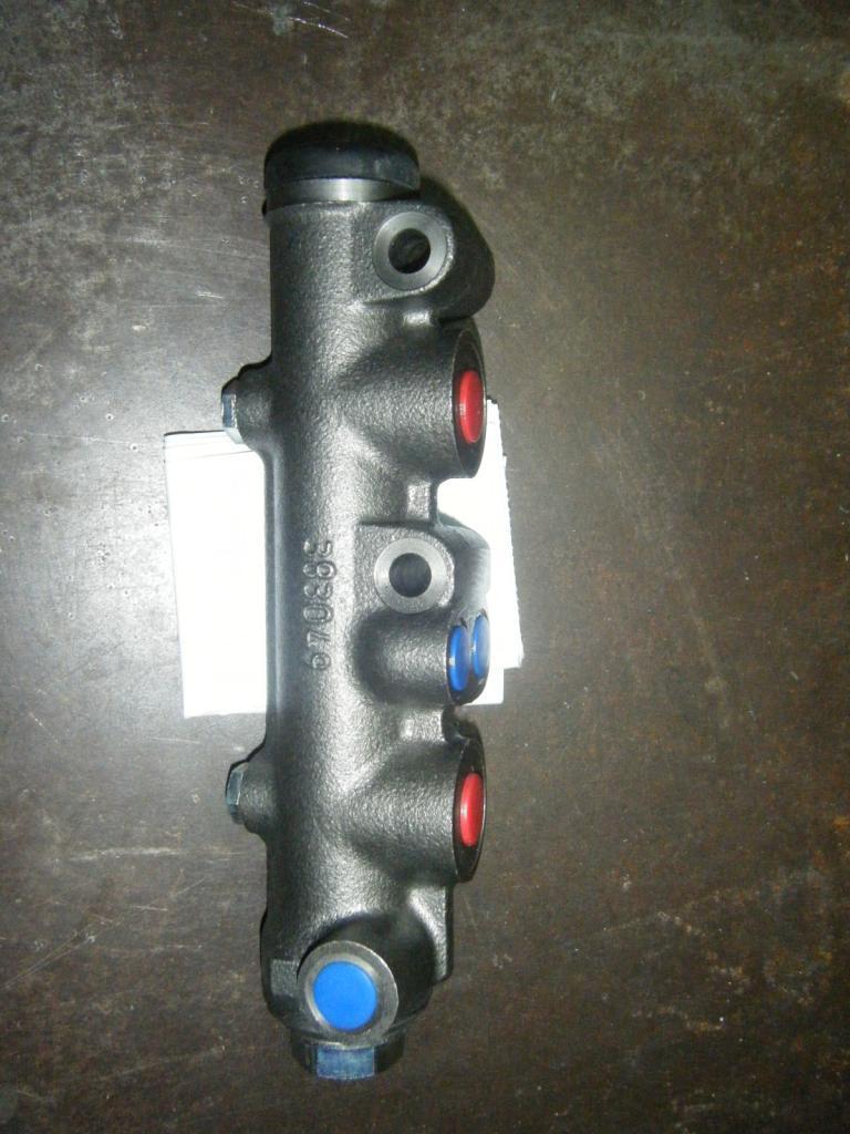 Bomba de frenos seat 600 doble circuito