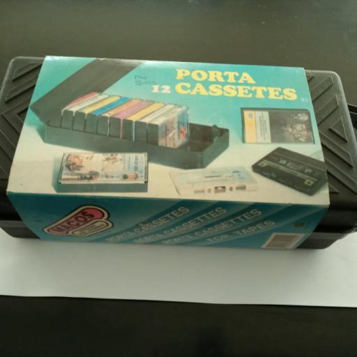 PORTA CASETTES PARA COCHE 12 CINTAS