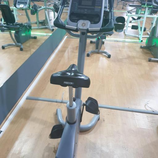 Bicicleta vetical y Horizontal Precor con pantalla tactil [1]
