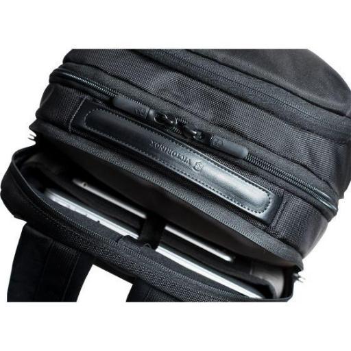 Mochila Victorinox Deluxe Travel Laptop Backpack 602155 [1]