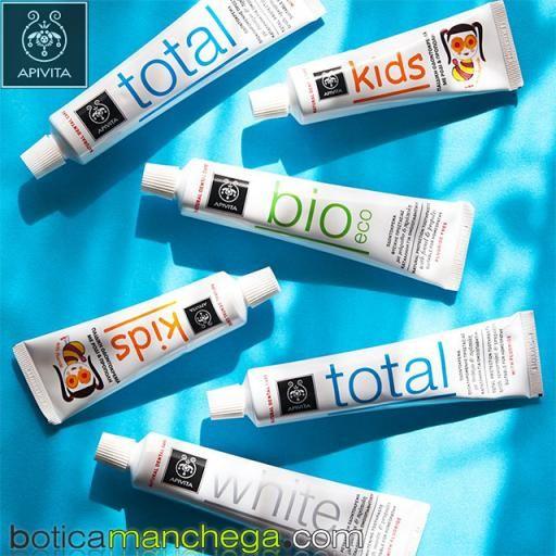 Dentífrico Natural Dental Care con Flúor Crema Dental Protección Total con Hierbabuena y Propóleo Apivita, 75 ml [3]