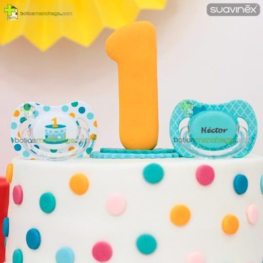 Suavinex Pack Personalizado 2 Chupetes Cumpleaños hasta 18M: Confetti/Tarta 1 añito + Corona con nombre, Tetina Anatómica Látex, Anatómica Silicona ó Fisiológica Silicona [2]