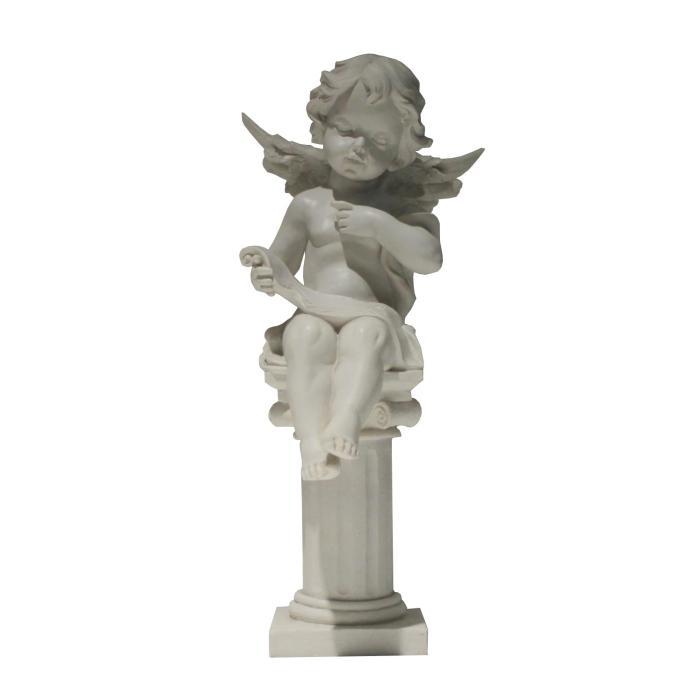 Figura ángel en columna