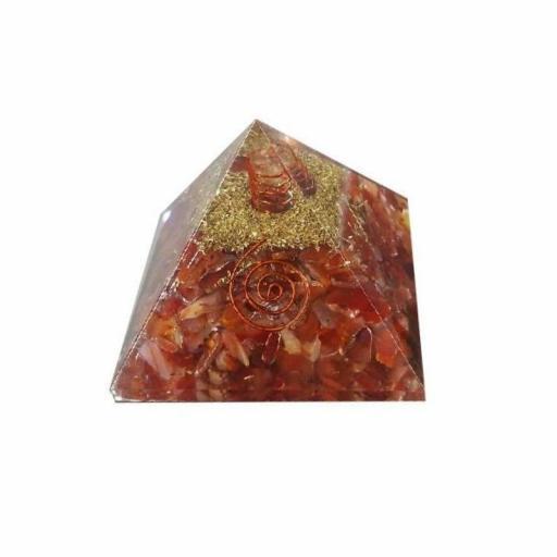 Pirámide de Orgonite de Carneola de 7 x 7 cm