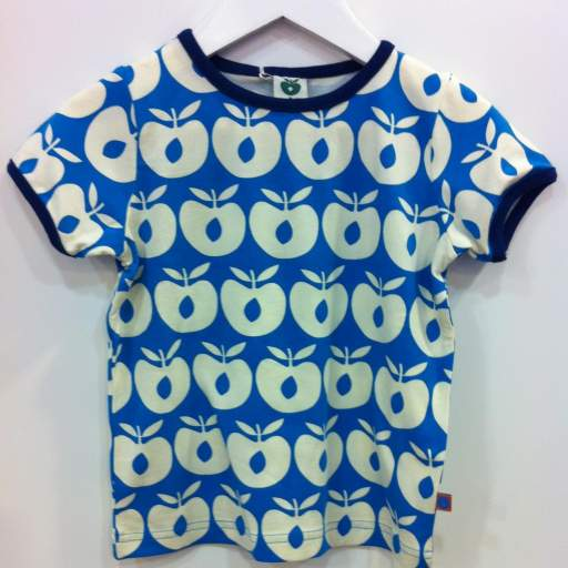 Camiseta Apples. Color Azul Turquesa