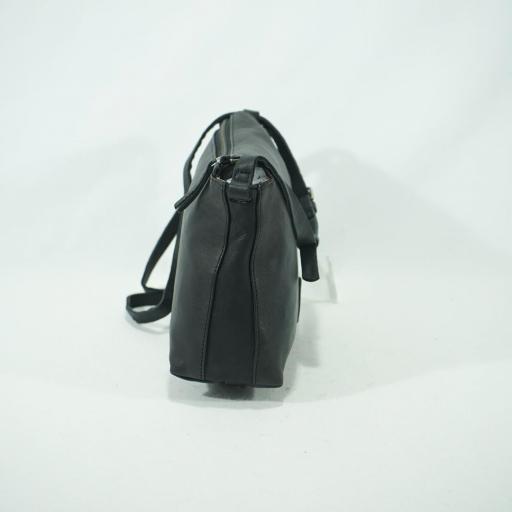 Bolso bandolera pequeña piel biba chester negro (3).JPG [3]
