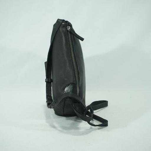 Bolso bandolera pequeña piel biba chester negro(4).JPG [2]