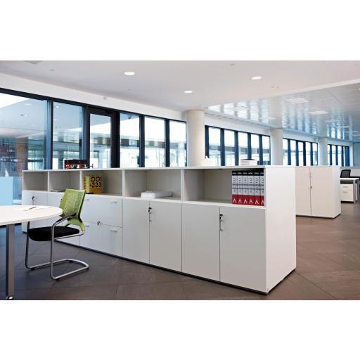 Armario de oficina 113hx80x42cm blanco, con puertas abajo mas hueco ber [1]