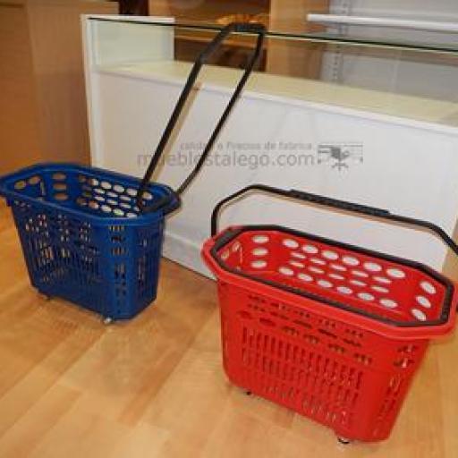 5 Cestas de compra con ruedas rojo