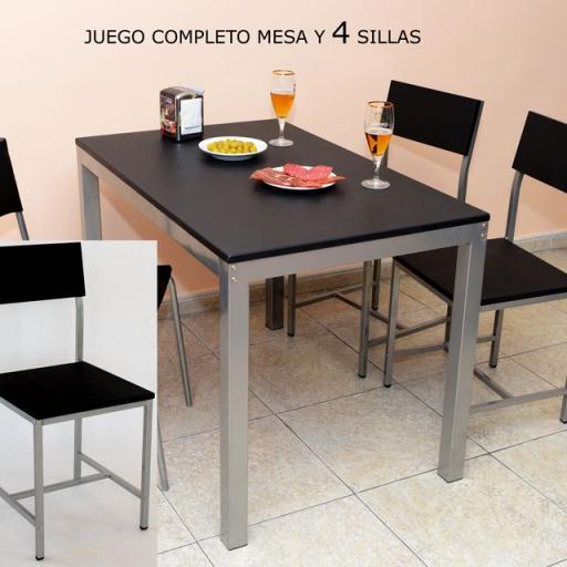 Juego de Mesa de bar con 4 sillas. [1]